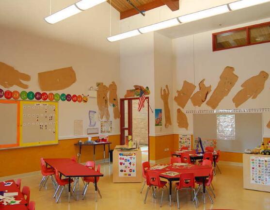 现代幼儿园装修课堂亚顶布局与思想